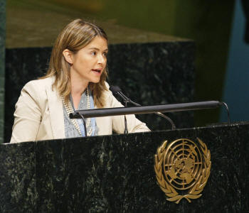 Catarina de Albuquerque fez discurso na Assembleia Geral